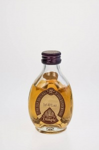"55. Dimple ""12"" de Luxe Scotch Whisky"
